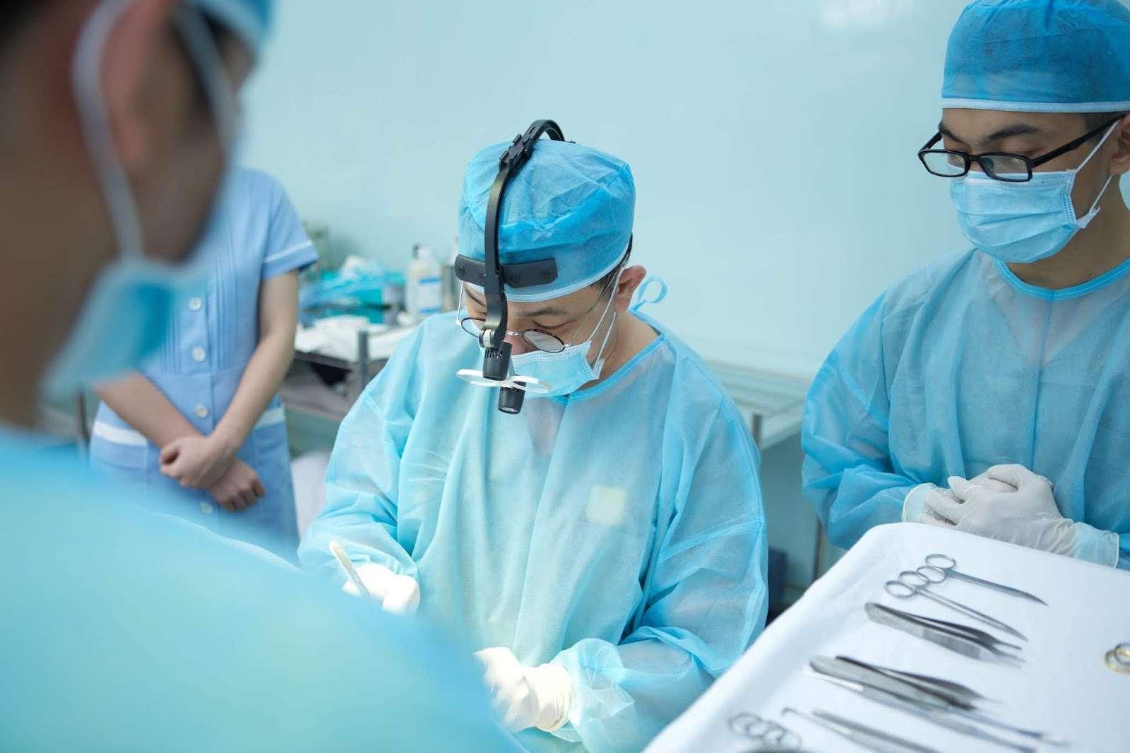 Mổ tuyến tiền liệt là chỉ định ngoại khoa khi diều trị bằng thuốc không có hiệu quả. Giải phẫu tuyến tiền liệt là bệnh rất phổ biến ở nam giới tuổi trung niên
