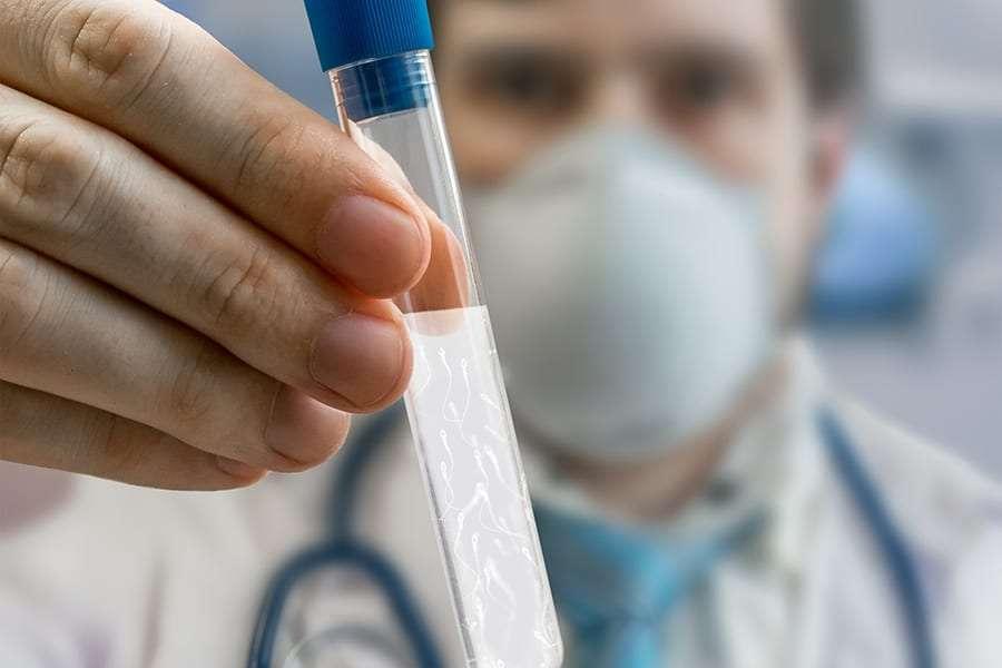 Mua tinh trùng, hành trình nguy cơ và gian nan ra sao?