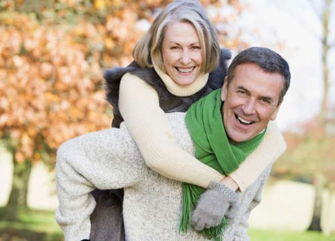 5 vấn đề tuổi trung niên thường gặp trong chuyện chăn gối