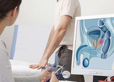 Tuyến tiền liệt to dần sau 50 tuổi, kích thước tăng theo tuổi tác nên u xơ tiền liệt tuyến còn gọi là tăng sinh phì đại lành tính tuyến tiền liệt. Tuyến tiền liệt bao quanh niệu đạo, khi phát triển to sẽ kích thích cổ bàng quang đóng chặt tạo ra sự cản trở cơ học lên ống dẫn nước tiểu