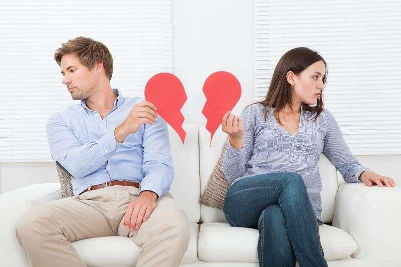Yếu sinh lý và xuất tinh sớm là hai hiện tượng rối loạn sinh lý thường thấy ở nam giới. Xuất tinh sớm cũng có thể gây yếu sinh lý và ảnh hưởng không nhỏ đến hạnh phúc gia đình