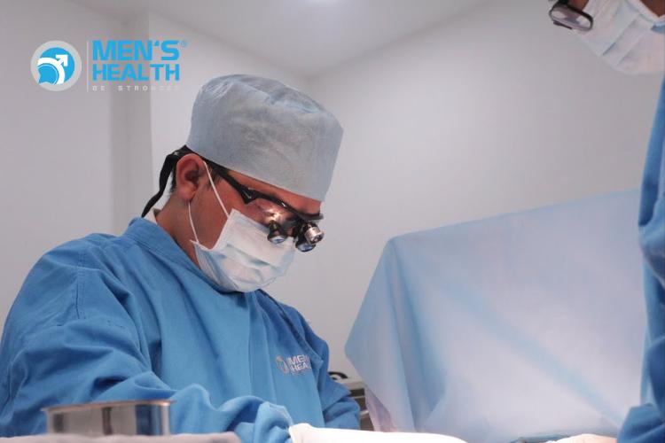Vì sao nên cắt bao quy đầu vi phẫu thay vì cắt bằng máy?